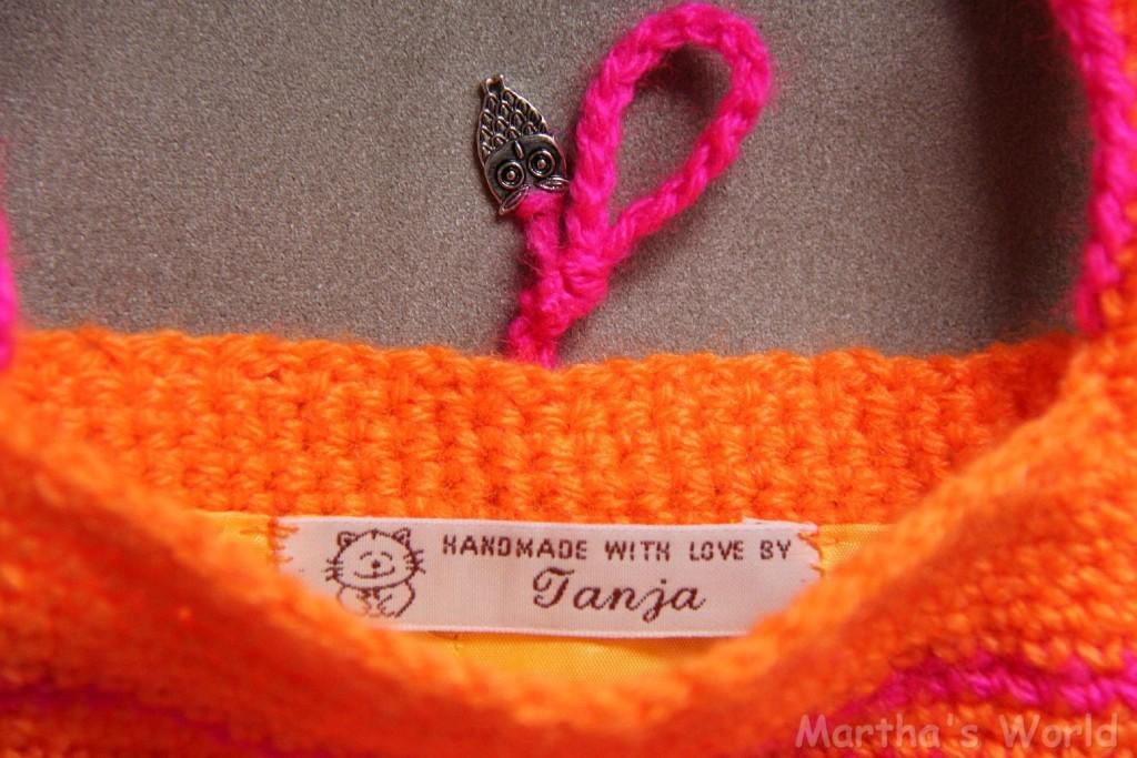 Martha's World - neon pink purse details